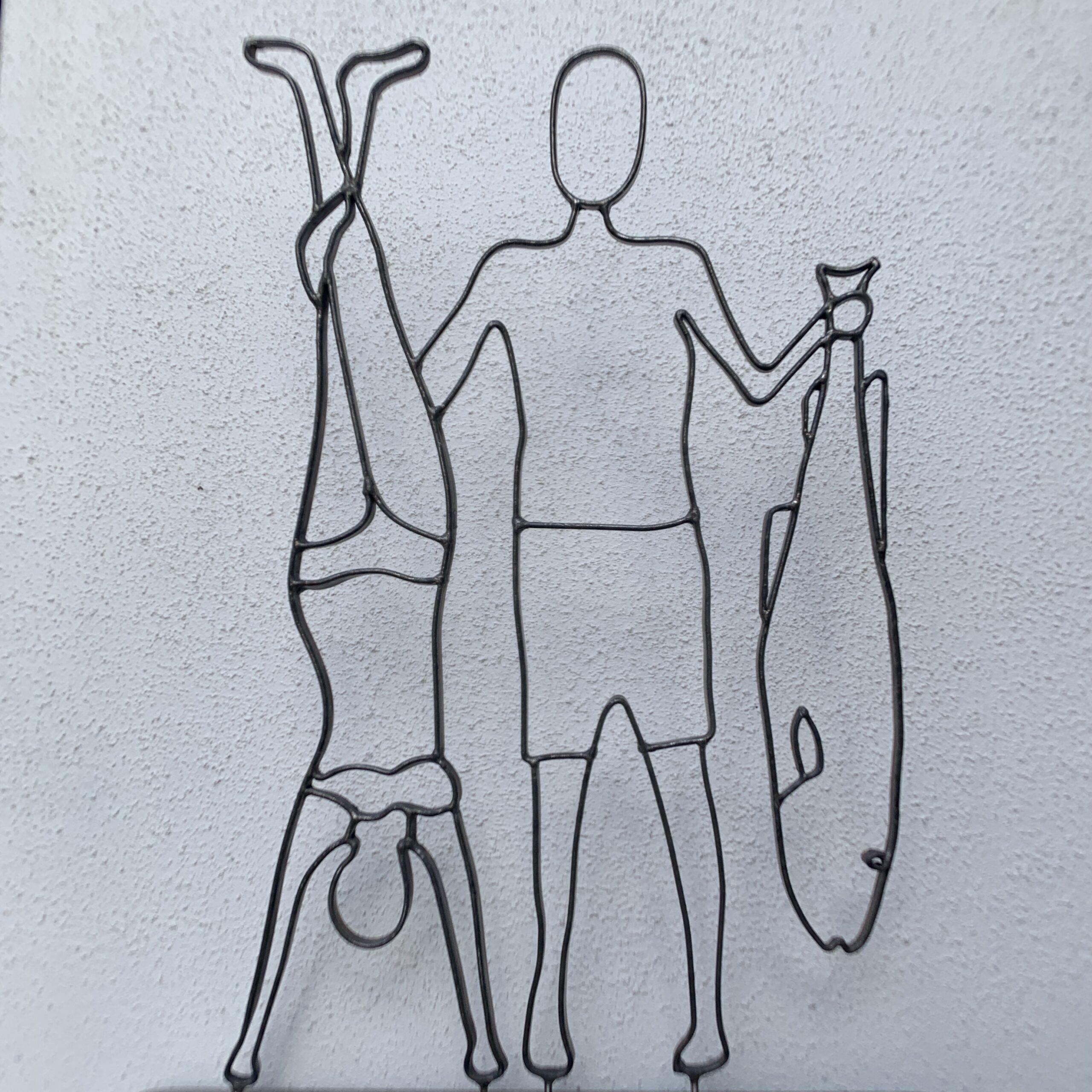 En sild og to torsk - Wire Art af Helge Voldbjerg
