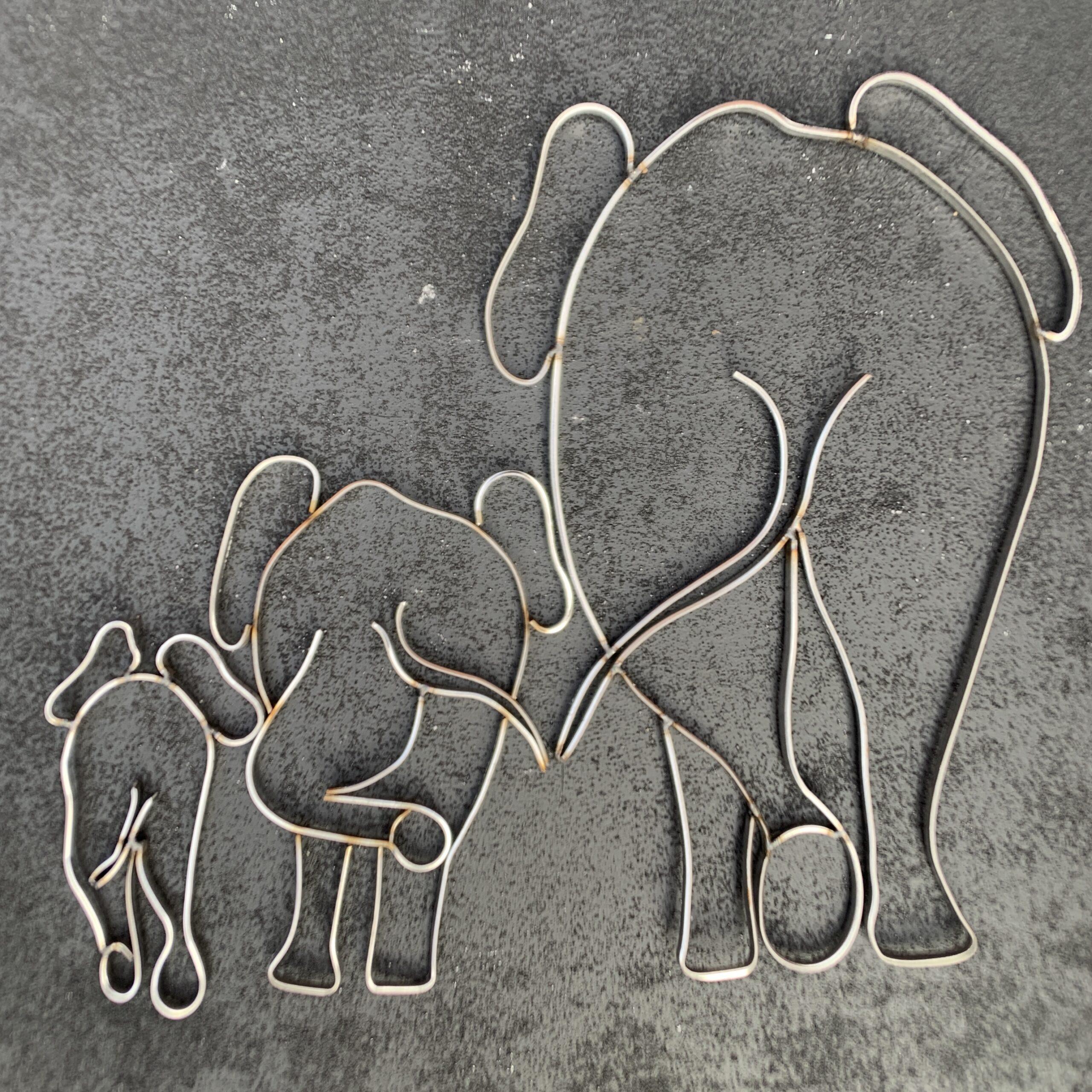 Wire Art Elefanter af Helge Voldbjerg